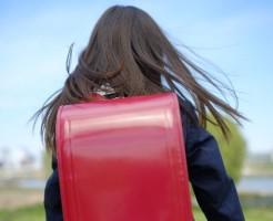 入学式でコサージュをつける場合の失敗防止策