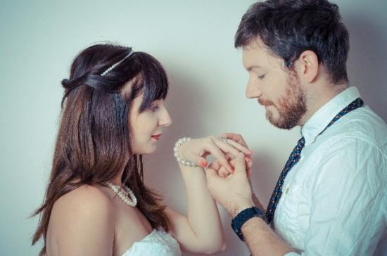 結婚式費用の内訳と、婚約に至るまでの金額