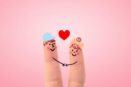 婚約指輪はいつ渡す?2人の積極性と距離感