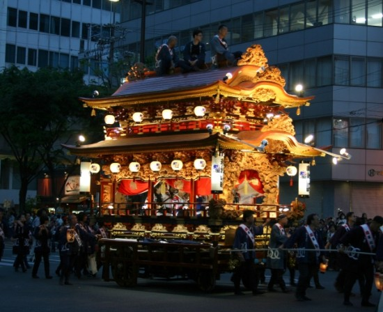 浜松まつり会館の駐車場情報と伝統を守る為