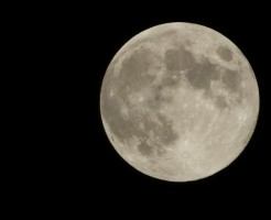 月の表面温度は何度?知るとつい話したくなる知識